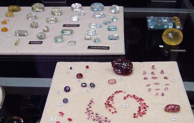 Обработанные драгоценные камни