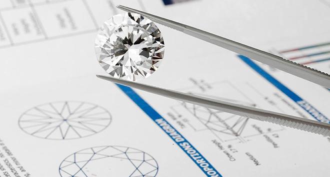 Как узнать сколько каратов в бриллианте?