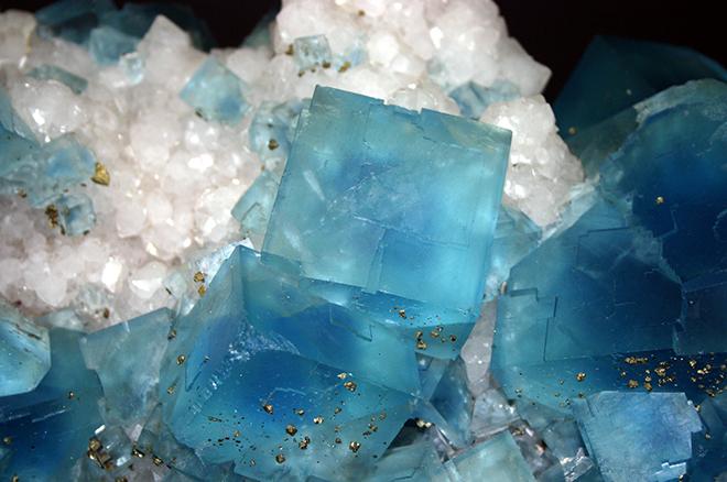 Чем минералы отличаются от других веществ?