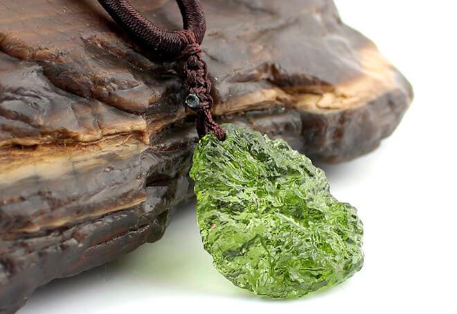 Чешский камень влтавин