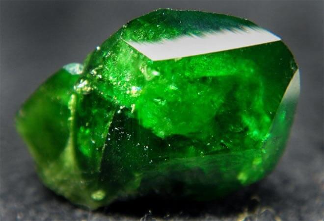 Особенности зеленого граната