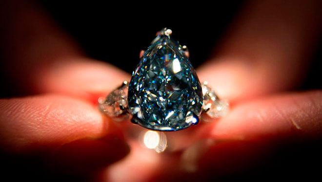 Бриллианты с фантазийной окраской
