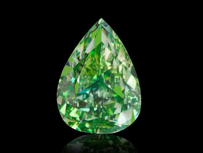 Алмазы зеленого цвета