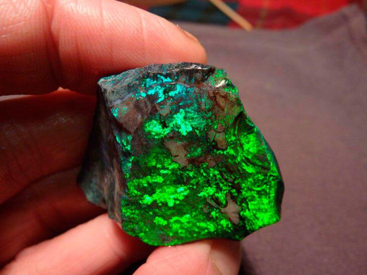 Противоречивая магия чёрного минерала