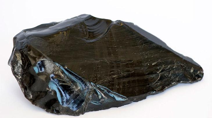 Особенности стекла из вулканической лавы