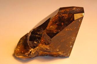 Как оценивают коричневые камни?